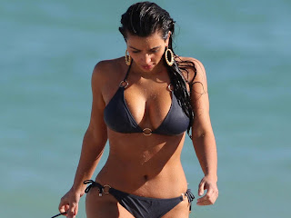 Kim Kardashian with black sexy bikini