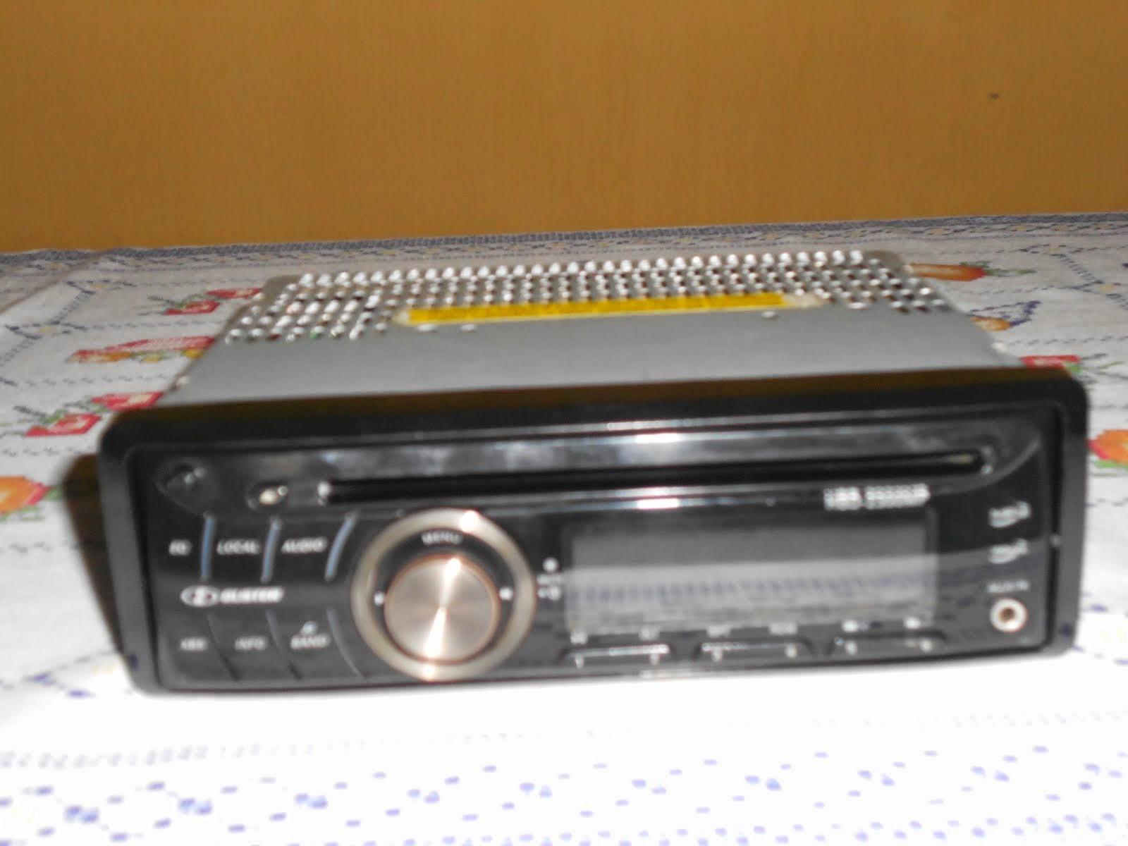 VENDE-SE! APARELHO DE CD PLAYER AUTOMOTIVO SEMI-NOVO - MP3 - WMA - H-BUSTER.
