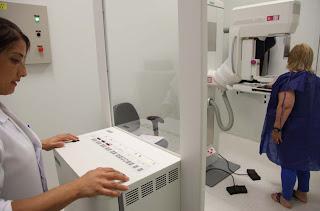 OUTUBRO ROSA DCM - Mamografia é essencial para detecção precoce do câncer de mama
