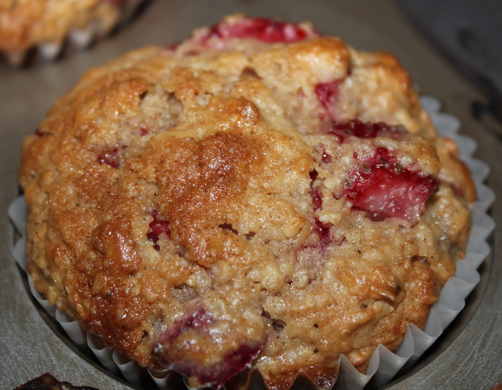 Sisters Luv 2 Cook: Strawberry Rhubarb Muffins
