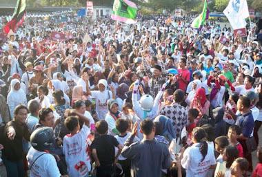 Ditengah Kerumuman Pendukung, Vote Hanafi Rais-Tri hardjun, No 2,  PAN Yogyakarta dalam Ikang Fawzi