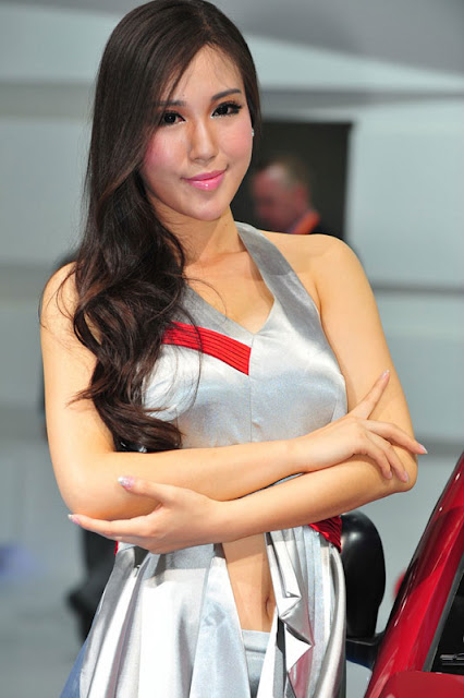 foto model cantik Auto show China 2012-3.jpg