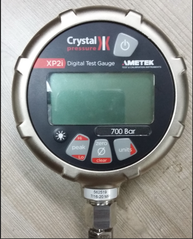 Digital Pressure gauge Crystal Xp2i #10000 psi  NEW