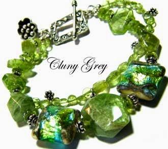 peridot bracelet with lampwork beads