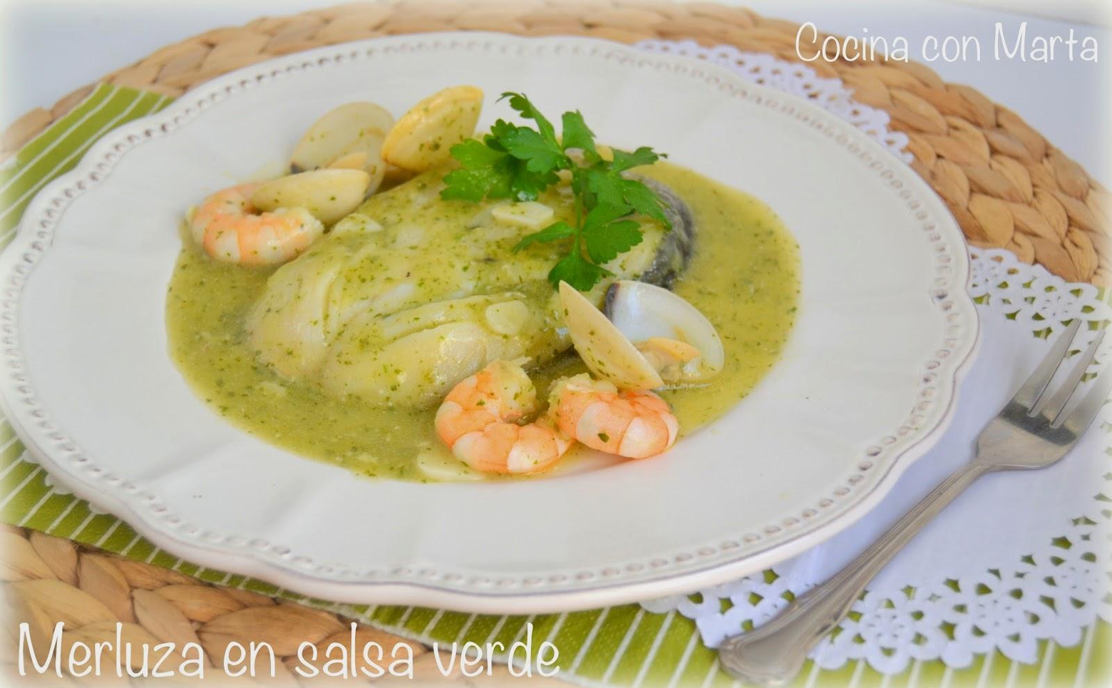 Receta casera de merluza en salsa verde. Rápida, fácil y ligera.