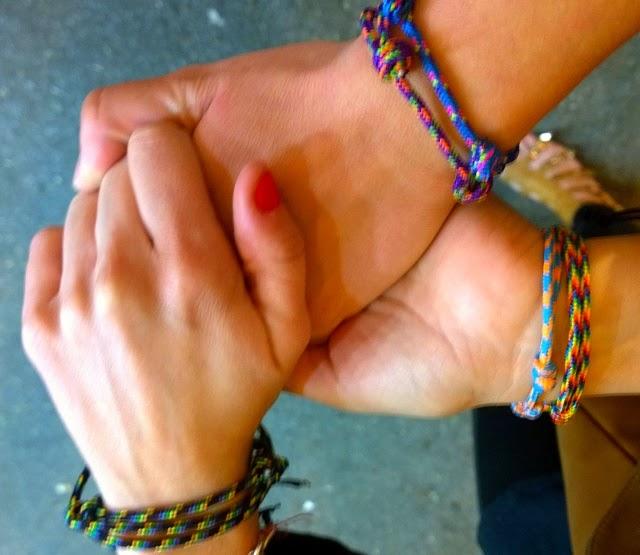 Pulseras cordones colores