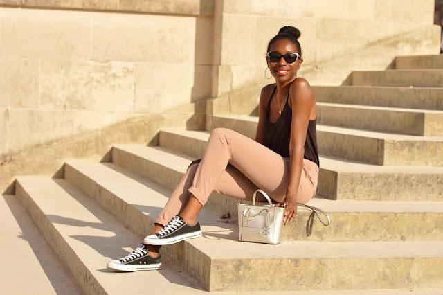 look-converse-baskets-tailleur-jupe-pastel-ete