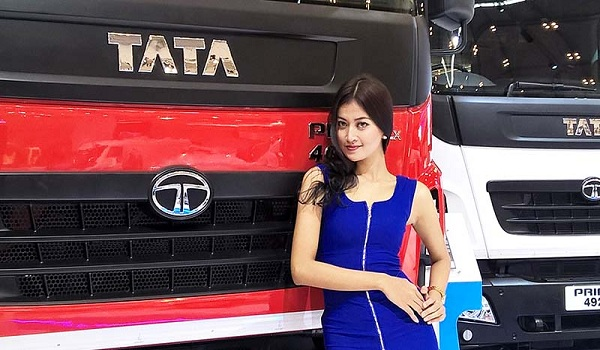 Foto SPG Truk Tata Motors di GIIAS 2015