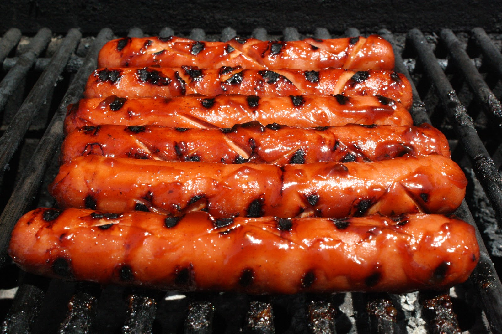How To Grill Hot Dogs With Bacon