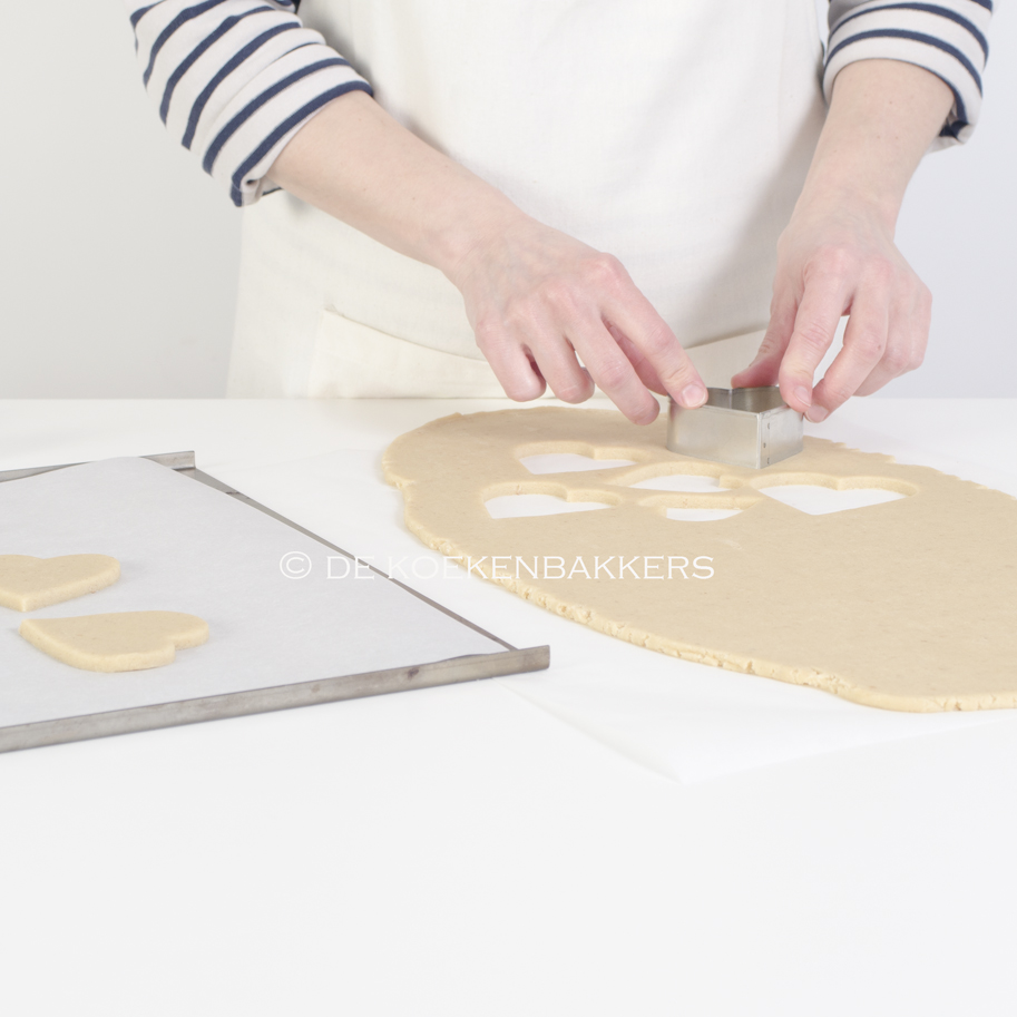 how to cut triangles on cookie sheets