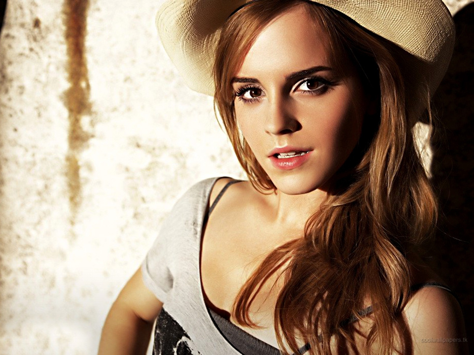 emma watson hot wallpapers ~ cheer arena | wallpapers world