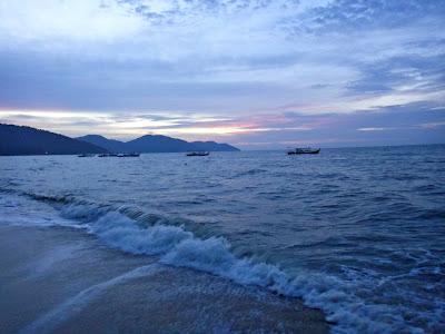(Malaysia) - Penang - Batu Ferringhi beach