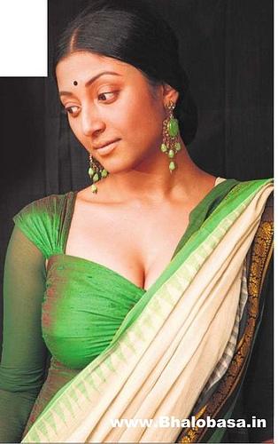 Sexy Indian bengali Kolkata Tollywood actress Paoli Dam Hot Bed scene Photo ...
