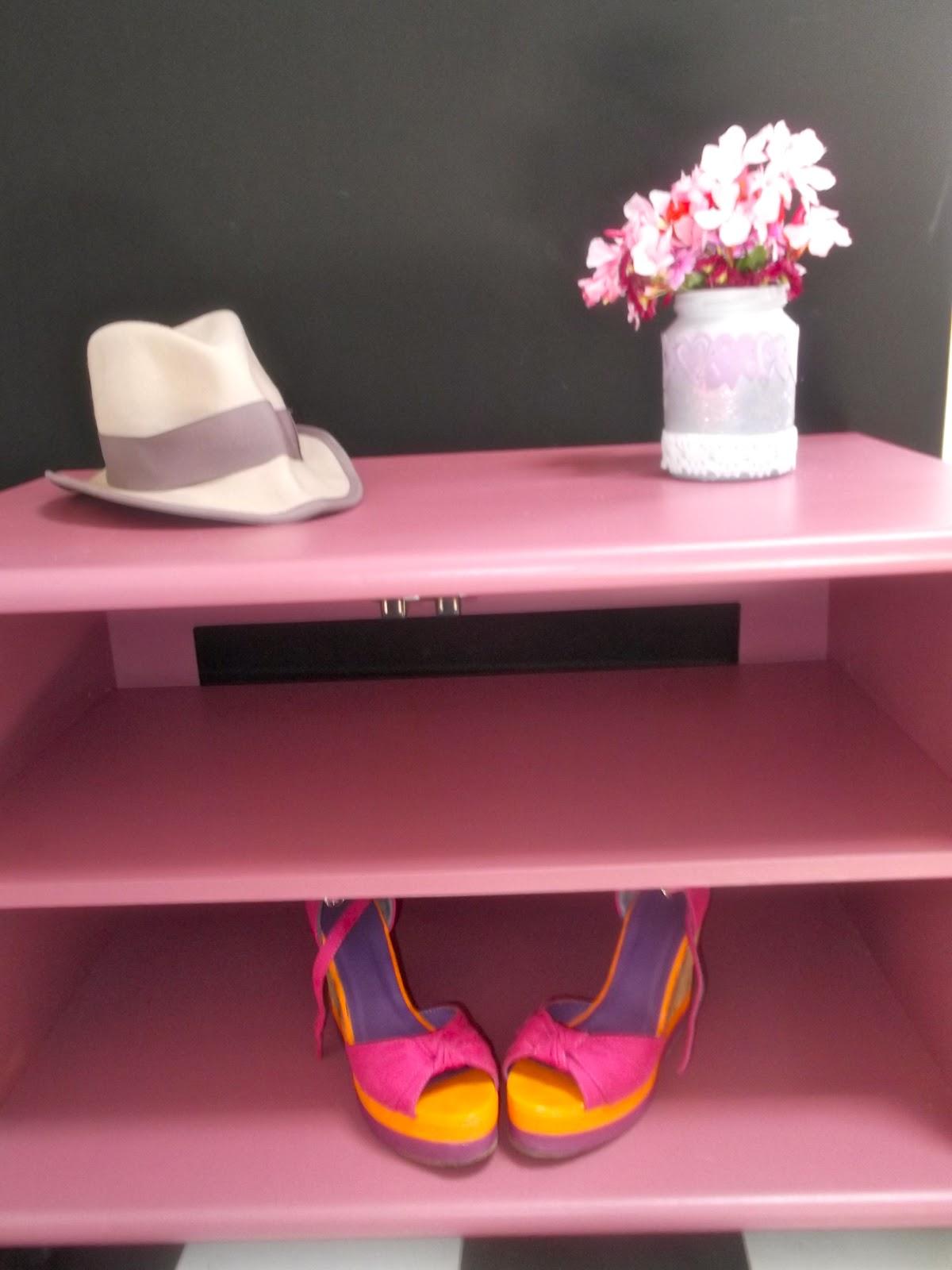 Florafaitmain diy petit meuble t l for Petit meuble tele