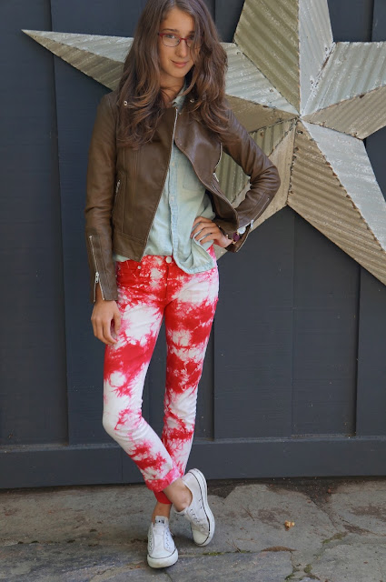 Hudson red tie-dye jeans, white laceless beat-up converse, olive brown Aritizia leather jacket, light was TNA denim shirt