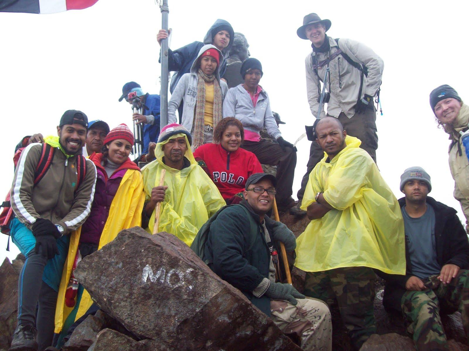Con Amín Ulloa  el primer no vidente ensubir a la cima mas alta de las Antillas, el pico Duarte.