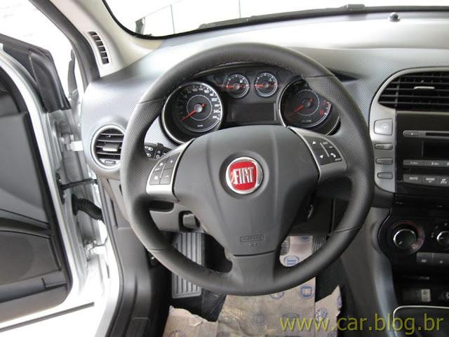 Fiat Bravo Essence 1.8 16V 2012 - teste quatro rodas