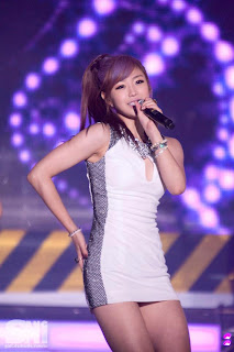 Jun Hyo Sung Korean Sexy Singer Sexy White Dress Performance Photo 5
