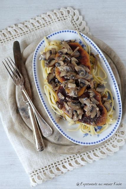 Experimente aus meiner Küche: Veggieschnitzel mit Champignon-Rahm-Soße