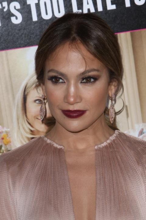 Jennifer Lopez - winny kolor ust