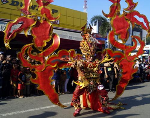 Princess of Caruban, Prince Langlang Buana, Semilir Kumbang, Paksi Nagaliman, Nagaseba, Megamendung of Lion Fish