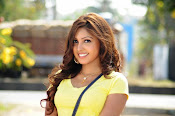 Komal Jha unseen photos gallery-thumbnail-16