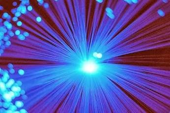 Luz azul melhora concentração e diminui sonolência