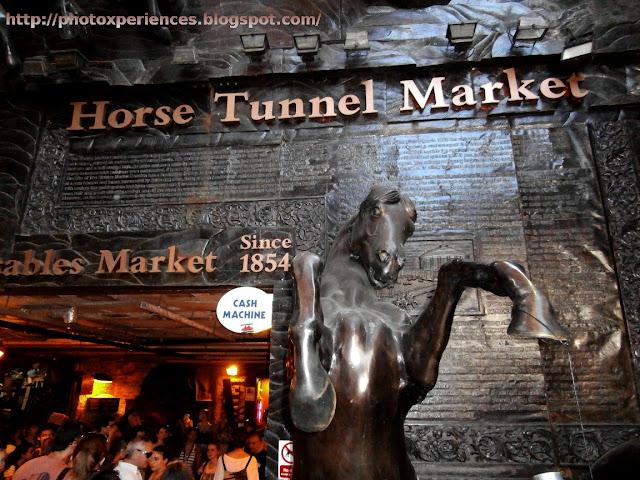 Horse Tunnel Market. Camden, London. El Mercado del Túnel de los Caballos, Camden, Londres.