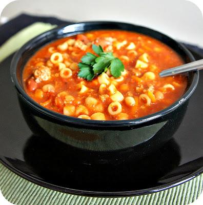 Recipe for Slow Cooker (Crock Pot) White Bean and Garlic Soup #soup #copycat
