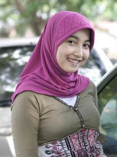 Jilbab Tidak Menutup Dada