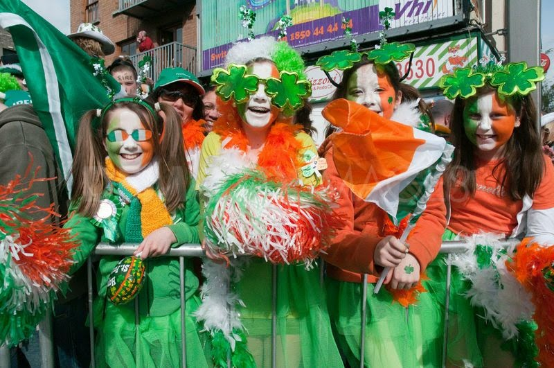 Frases De st-st patrick-saint patrick: Happy St Patick's Day  Green Dresses Visitors