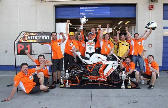 KTM-celebrates-IDM-Superbike-with-the-RC8-R