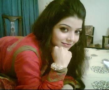 Srinagar Beautiful Girls Photo