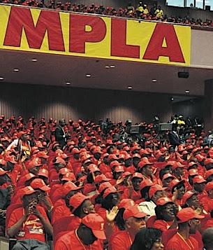Eduardo dos Santos anuncia concertação com oposição para eleições de 2012