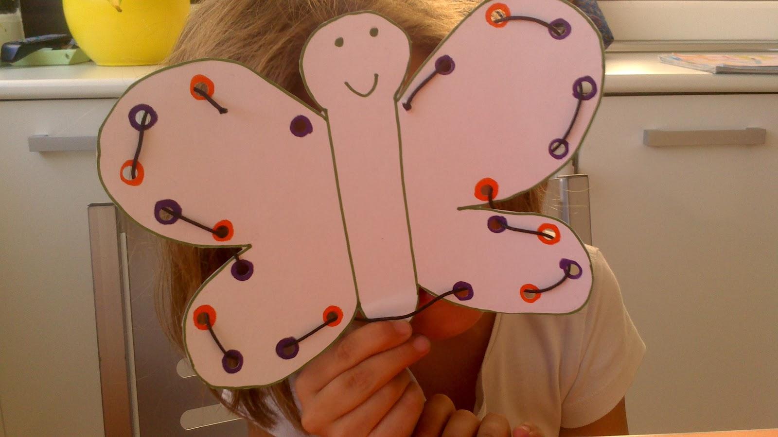 http://atempramv.blogspot.com.es/2013/10/trabajando-la-motricidad-fina-mariposas.html