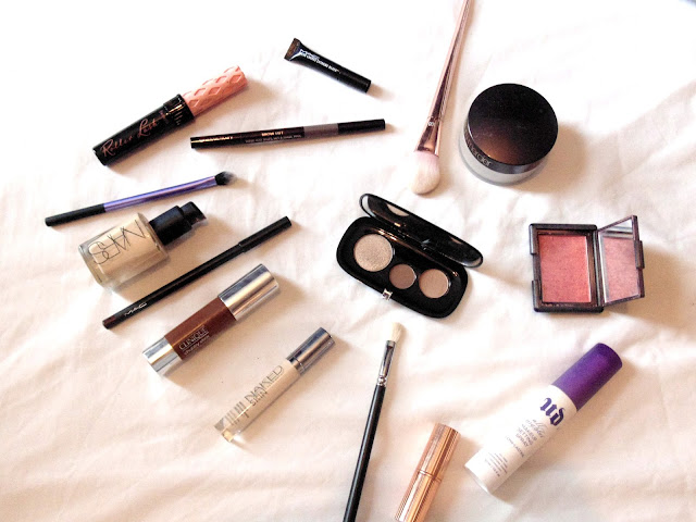 What's on my face - Marc Jacobs, Nars, Mac, Urban Decay, Charlotte Tilbury
