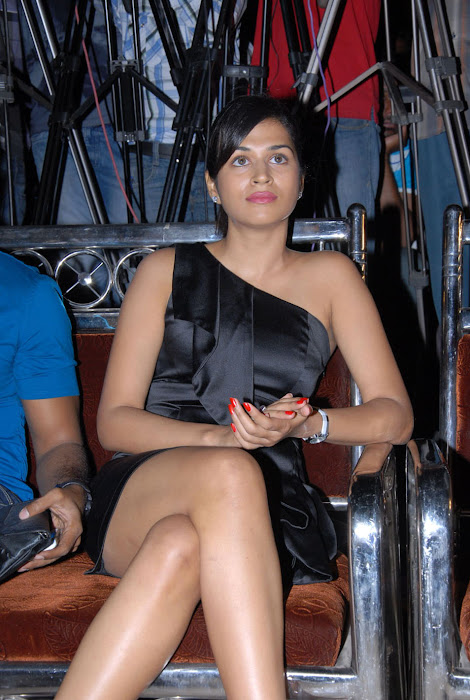shraddha das new at mem vayasuku vacham movie audio launch glamour  images