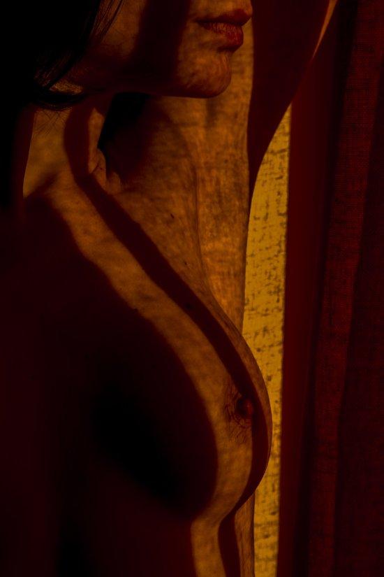 Valentin Apache Taminiau fotografia sensual modelos nas sombras meia luz nudez sensual provocante
