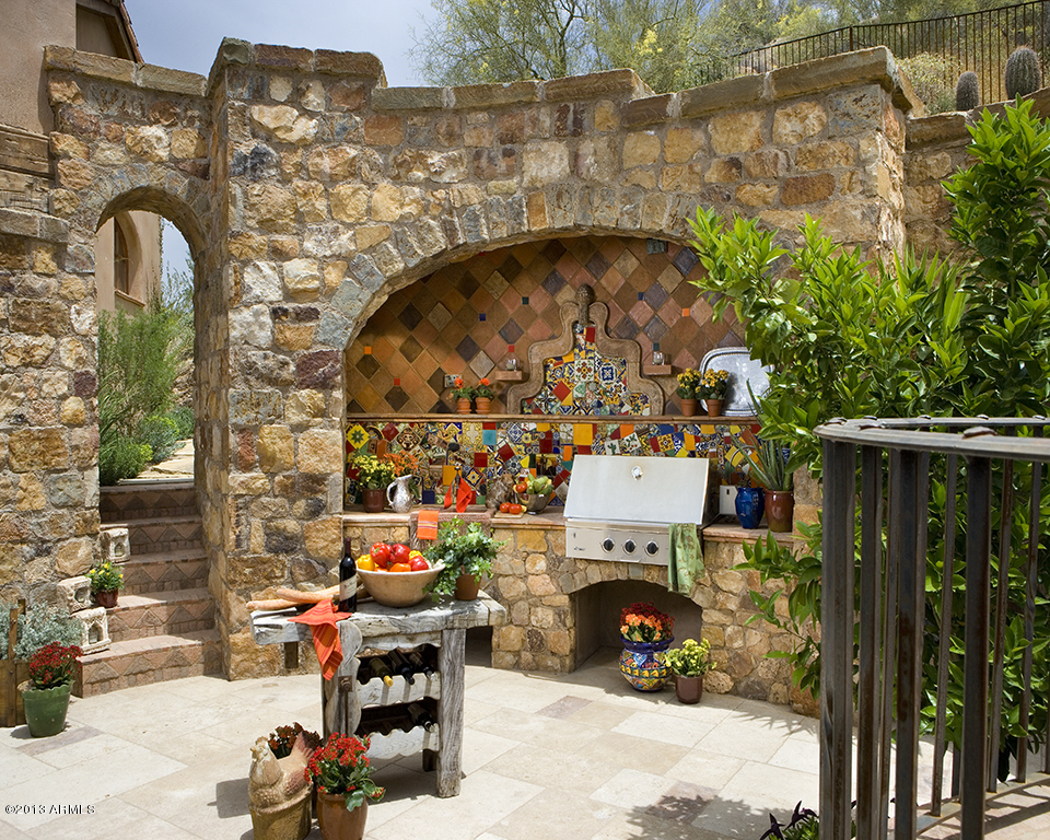 A glamourous spanish style mansion for Spanish style outdoor kitchen