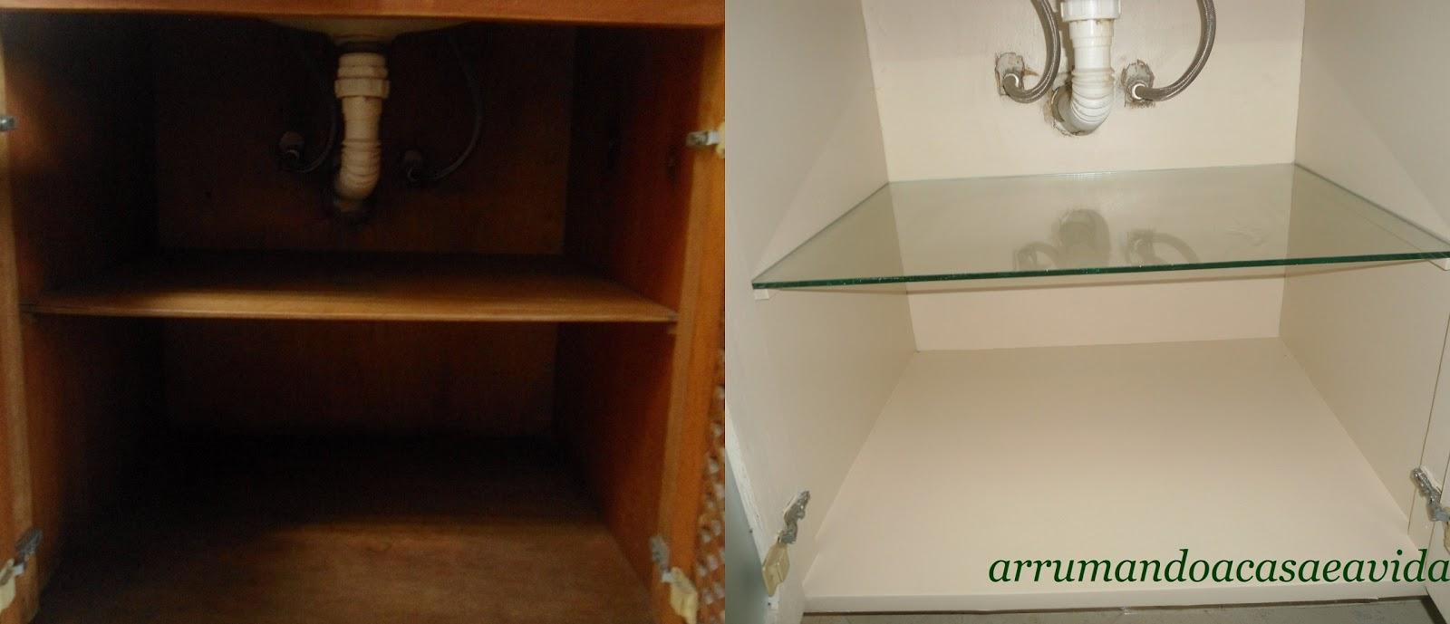 Cláudia Pinto Antes e Depois  Reformando o armário do banheiro#CurtiCompar -> Como Reformar Armario De Banheiro De Mdf