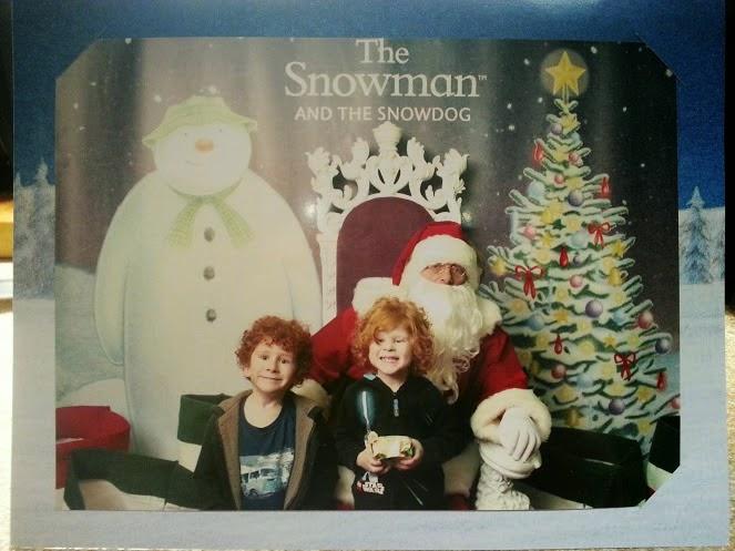 Hilarious Santa Photo at Trafford Centre in Manchester UK