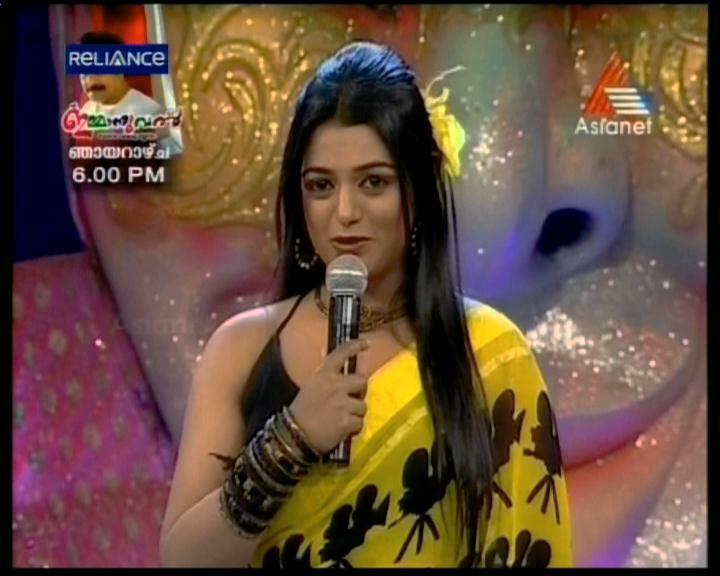 +Comedy+Stars+anchor+Meera+Anil+latest+hot+photos+in+saree+(10).jpg