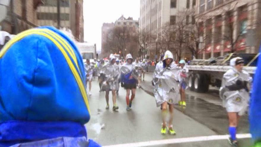 how to get into the boston marathon 2015