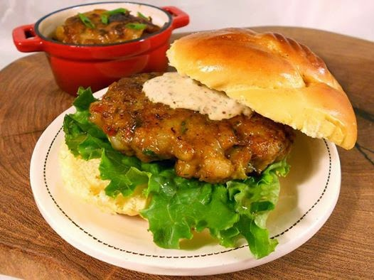 37 Cooks: Cajun Shrimp Burgers with Spicy Sauce