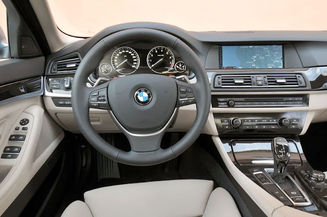2013 BMW ActiveHybrid 5 Front Interior