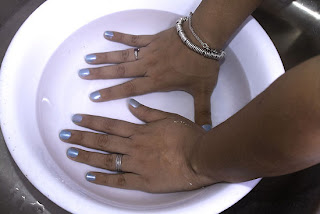 Image: How to Dry Nail Polish Quickly