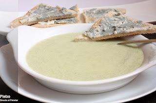 http://www.directoalpaladar.com/recetas-de-sopas-y-cremas/receta-de-sopa-de-apio-y-gorgonzola