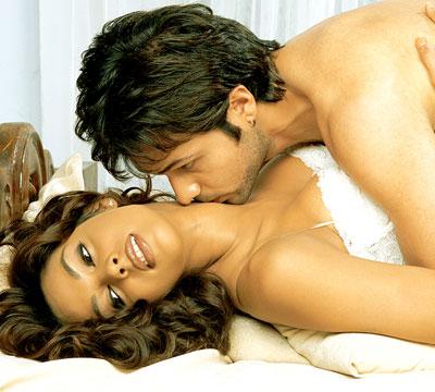 Indian hero sexy kiss xxx — pic 14