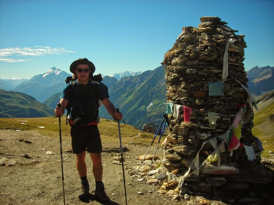 Lipe-en-uno-de-los-puntos-mas-alto-del-Tour-del-Mont-Blanc