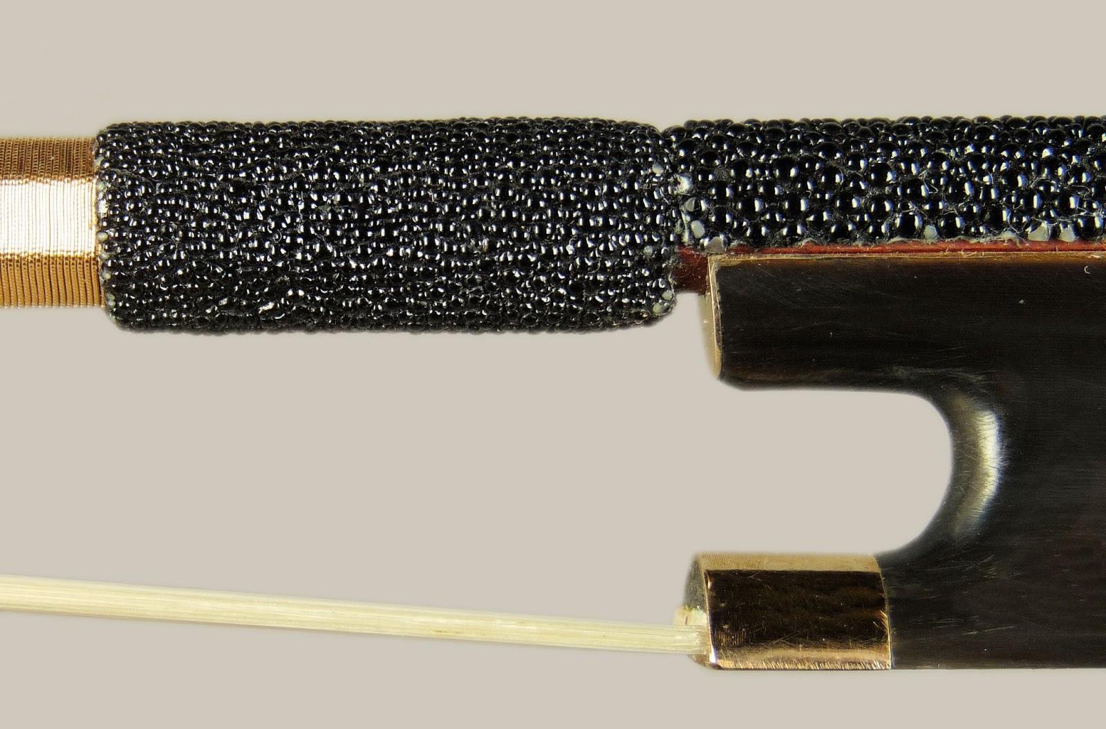 Atelier sandrine raffin archetiers le galuchat un cuir r volutionnaire et d 39 exception - Teinter du cuir ...